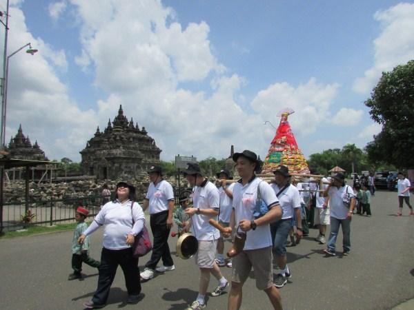 Staff Gathering di Candi Prambanan Jogjakarta