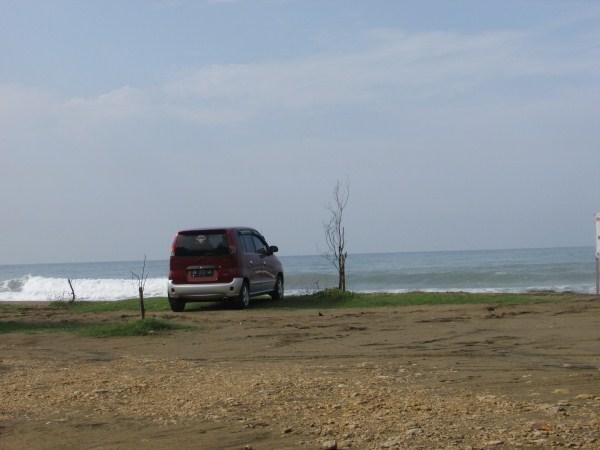 spot-pemandangan-indah-pantai-pacitan