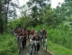 heritage-tour-di-prambanan-dengan-sepeda-onthel-dan-pakaian-tradisional