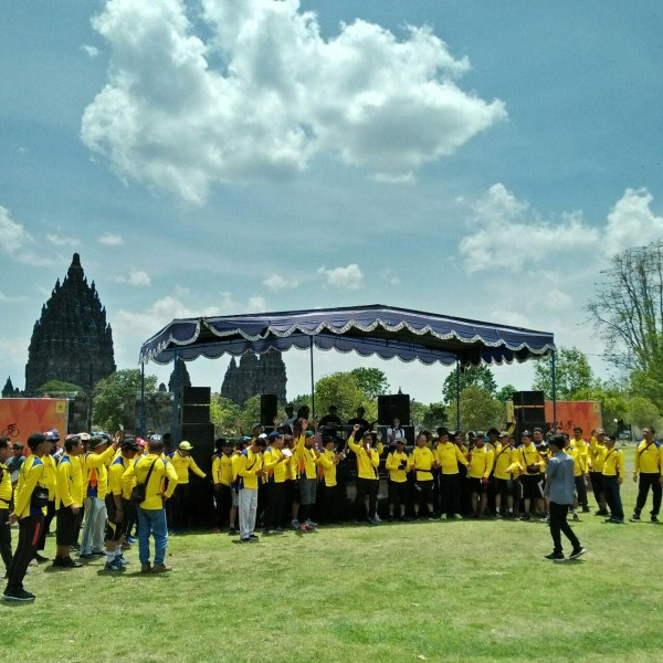 amazing race outbound di candi prambanan