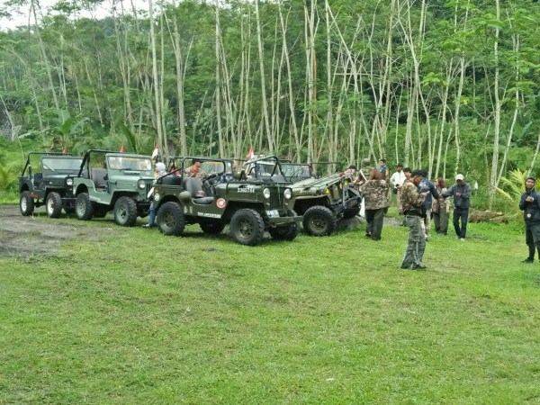 contoh game paintball dengan jeep