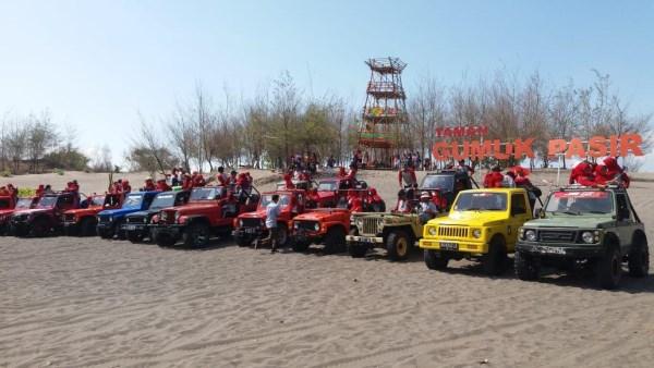 jeep offroad gumuk pasir pantai parangtritis